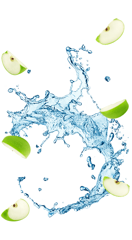 תפוחים ושפריץ של מים